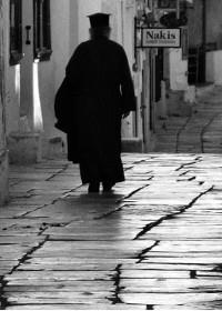 الكاهن: أداة لتمجيد الله