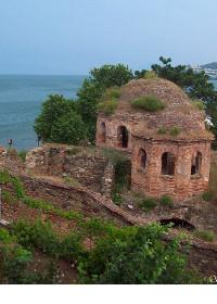 تركيا تبيع الكنائس الأثرية